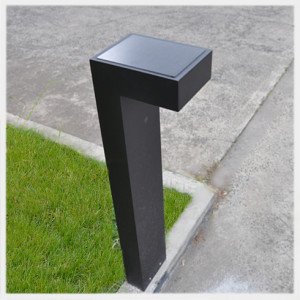 solar light bollard example